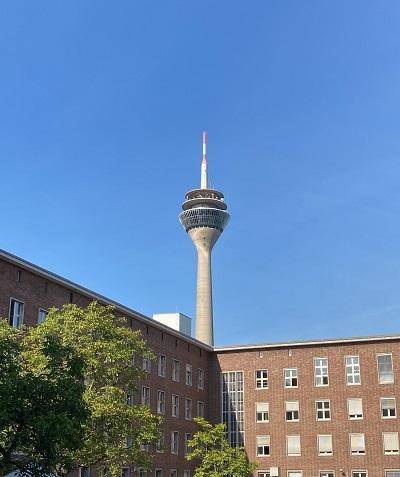 Der Fernsehturm freut sich auf die Mittagspause